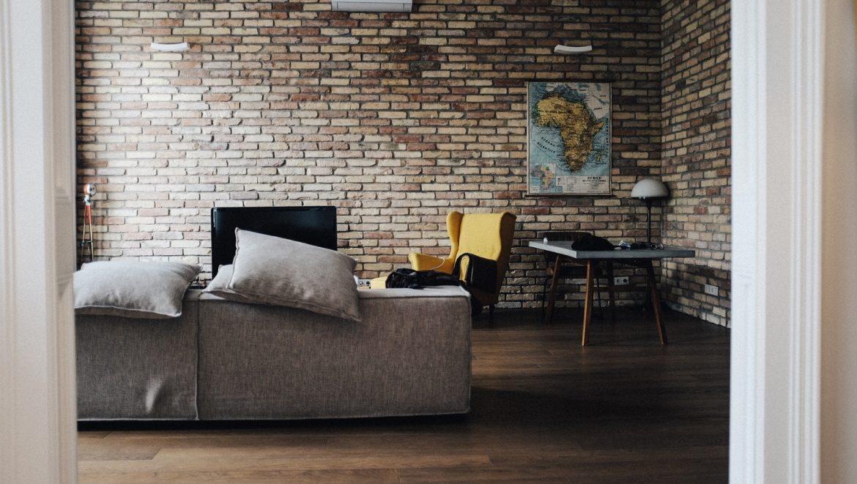 פסק דין – דחיית תביעת משכירים / בעלי דירה לנזקים שגרמו שוכרים – עורך דין נוטריון אופיר יצחקי