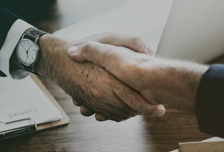 תביעה כספית – ביטול הסכם לרכישת עסק – השבה ופיצויים – אי גילוי פרטים מהותיים לגבי עסק – פסק דין – עורך דין ונוטריון אופיר יצחקי